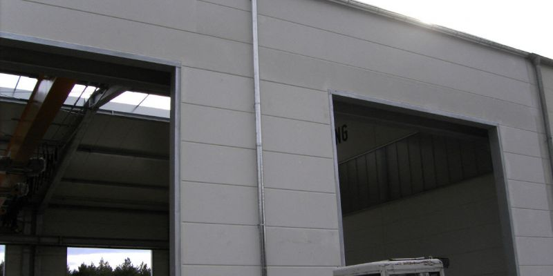 reparaturhalle-1F2CF9A5E-9F94-604B-C418-EC3B41D86FFD.jpg