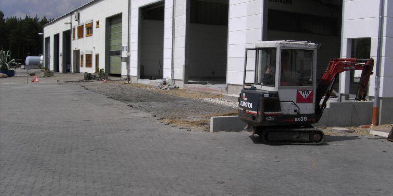 reparaturhalle-3B4A6ED43-7367-4993-7D1F-B130A1CAE9B4.jpg