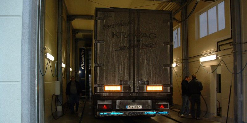 waschanlage-1067DD543-DB25-1A83-129F-1BE70A4206BA.jpg
